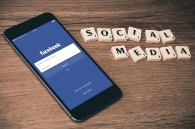 What Is the Facebook Like Button and How Do I Use It?