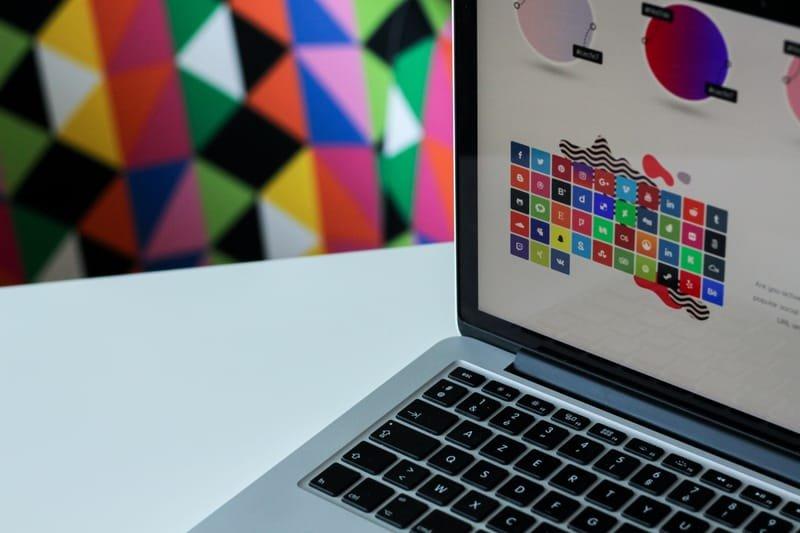 הנבחרת של עיצוב גרפי: ממתגות, מעצבות, מנפישות...
