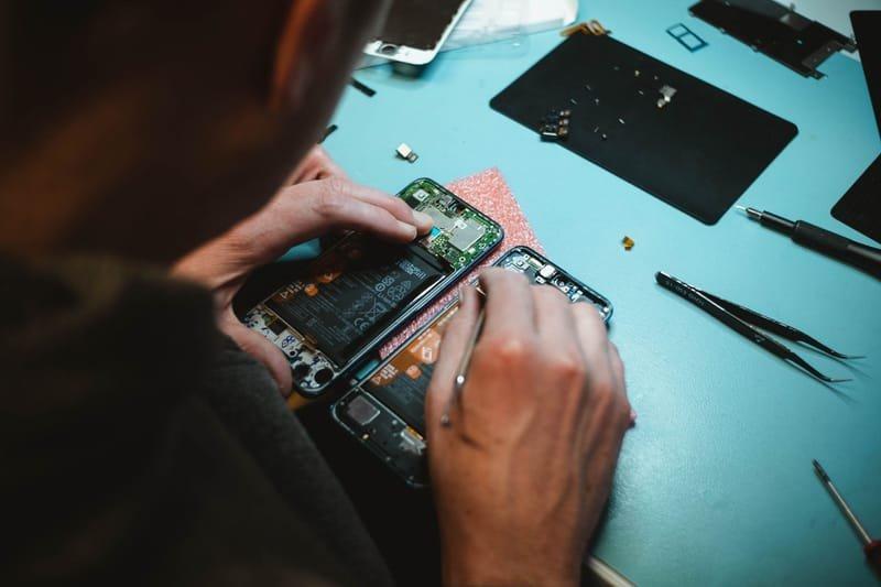 Phone / Tablet / Laptop Repairs