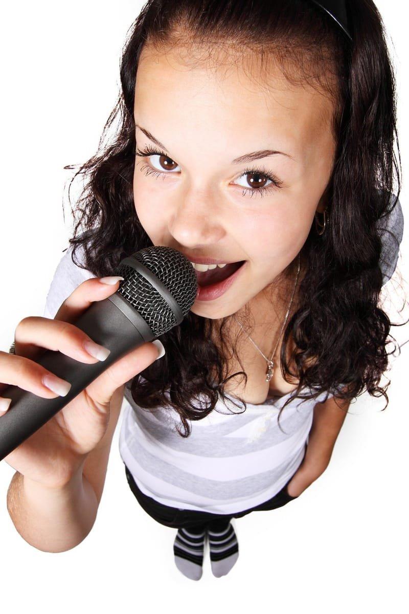 Voice Over, Dubbing