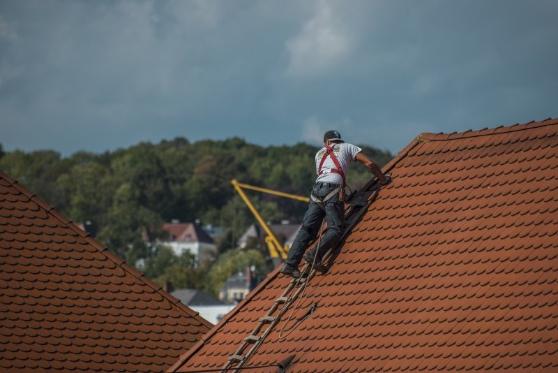 Roofing & Construction Services