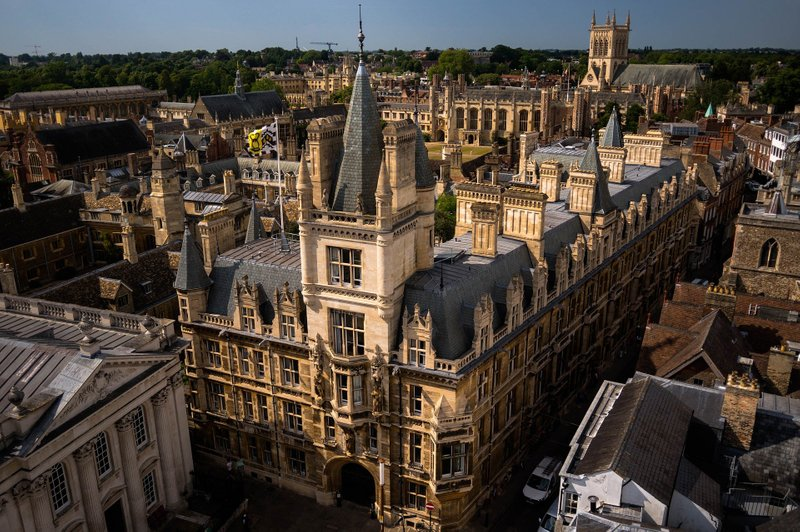 Student Admissions at UK School College and University