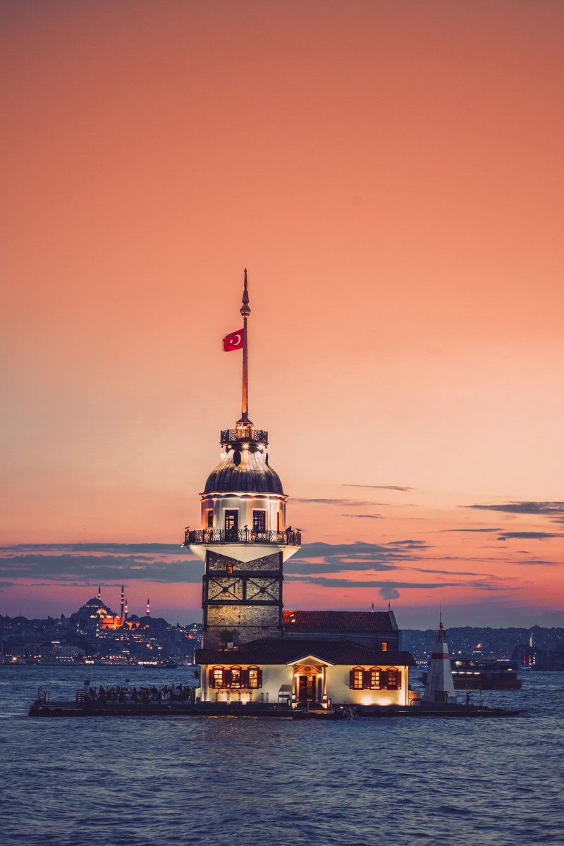 برج الفتاة في اسطنبول تركيا