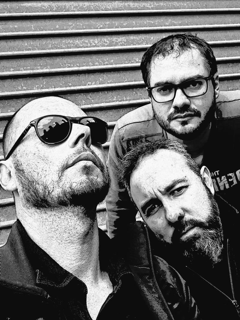 OMBRES, pop trio, rock acoustique, variétés françaises