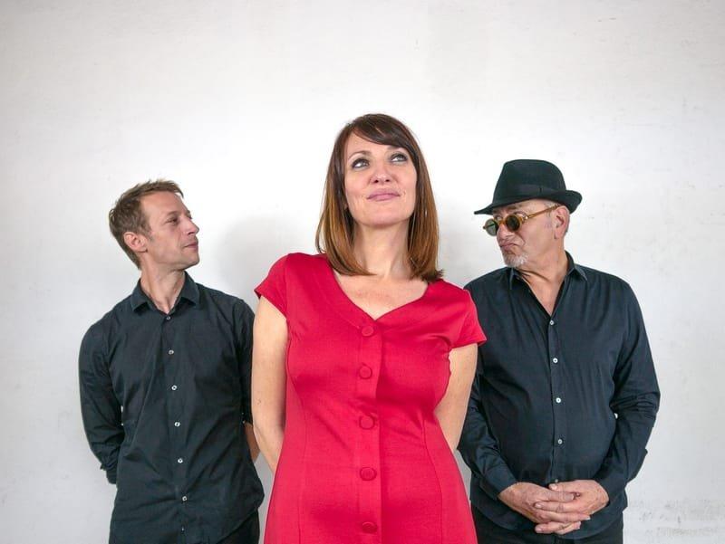A MA Trio , jazz