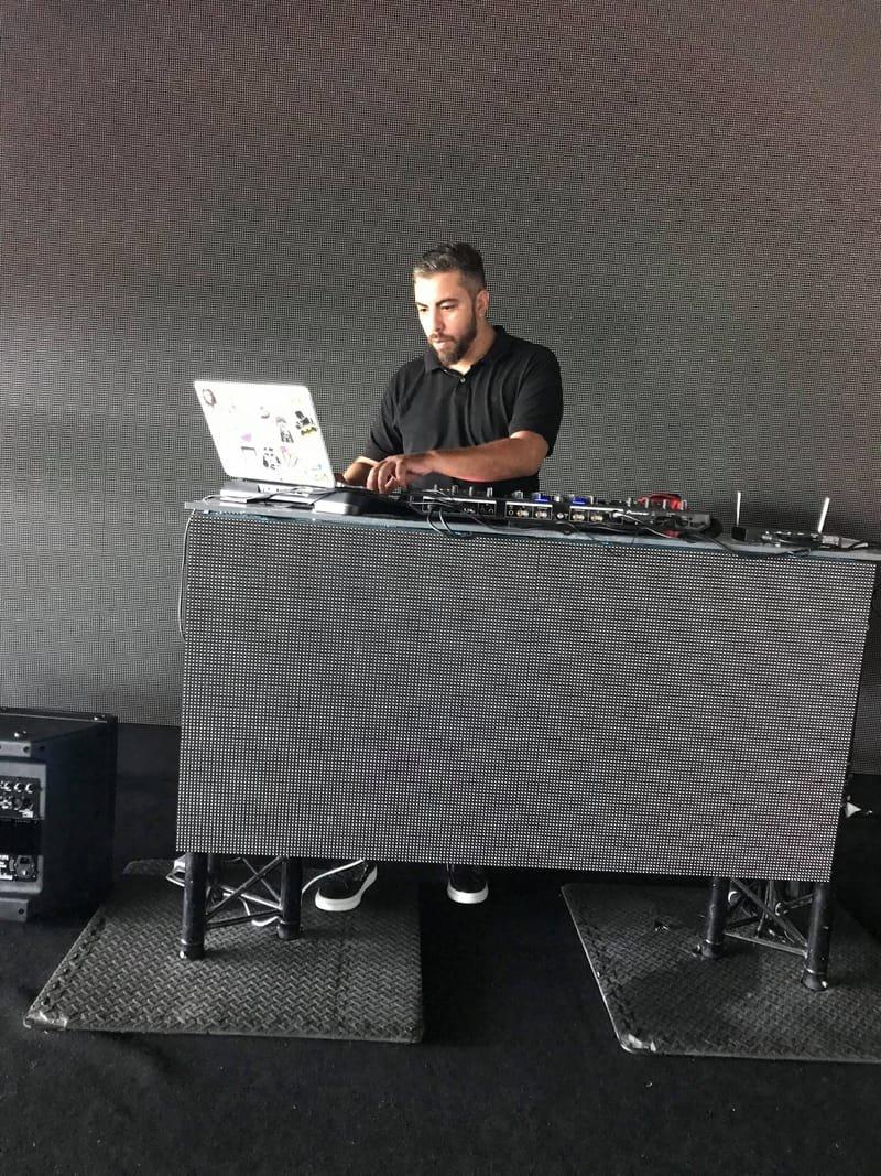 DJ CHK , spécialisé en oriental et tous styles de musiques