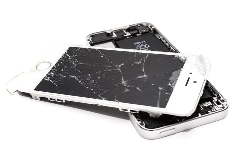 Priser på reparasjon av iPhone-modeller