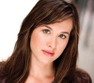 Amanda Leigh Cobb