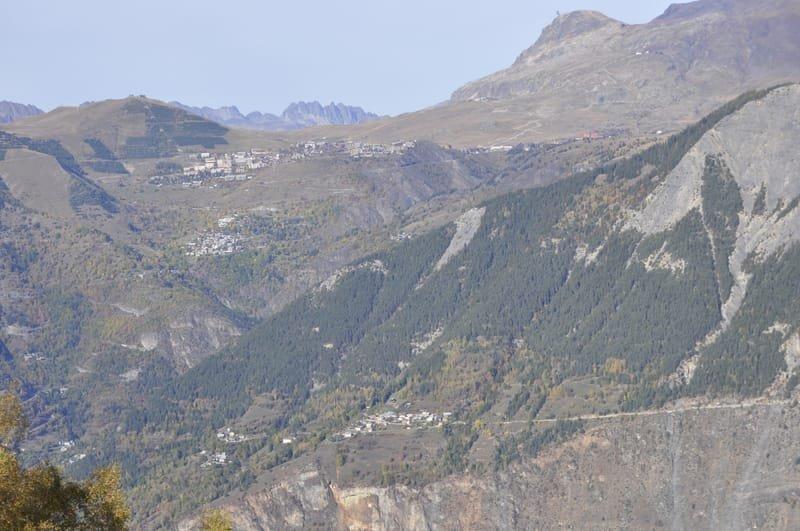 """""""Les Villages Perchés"""" Villard Reymond"""