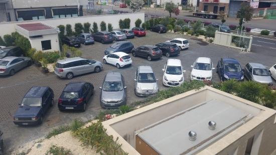 Parcheggio interno e Garage