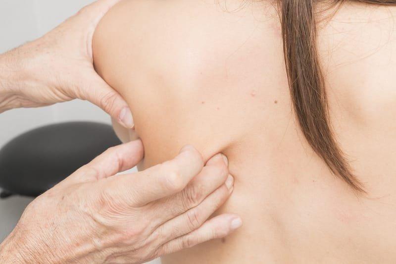 Schmerzbehandlung nach Liebscher & Bracht und dem Luxxamed