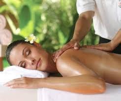 Rücken-Schulter-Nacken-Massage