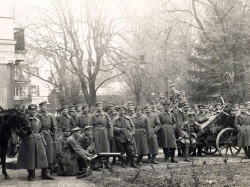 1. Weltkrieg vor dem Luisenbad (ca. 1917)