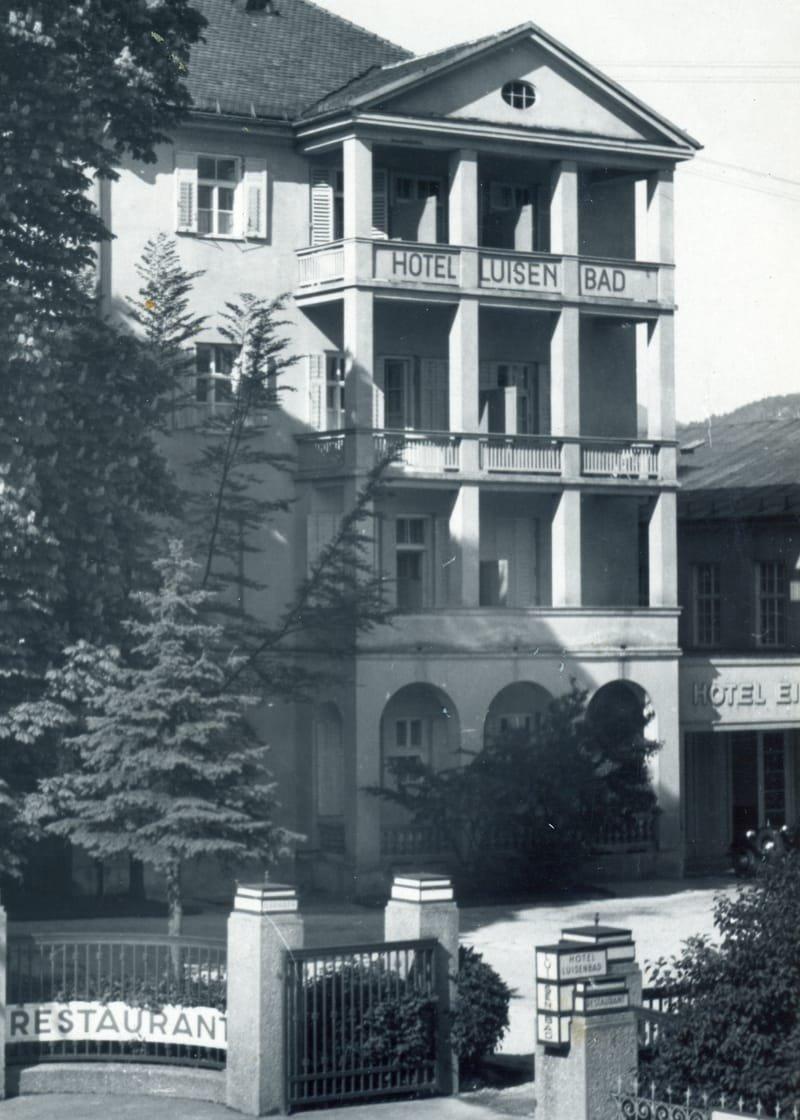 Hotel kurz nach dem Krieg
