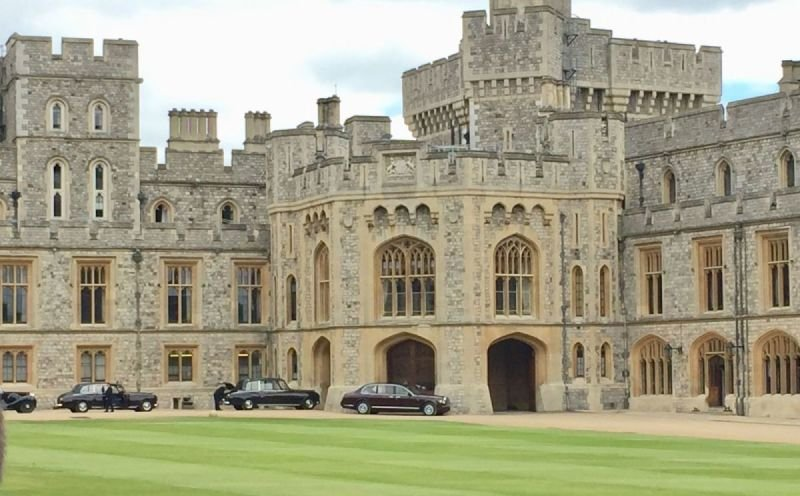 Windsor Castle and Eton College Private Car Tour
