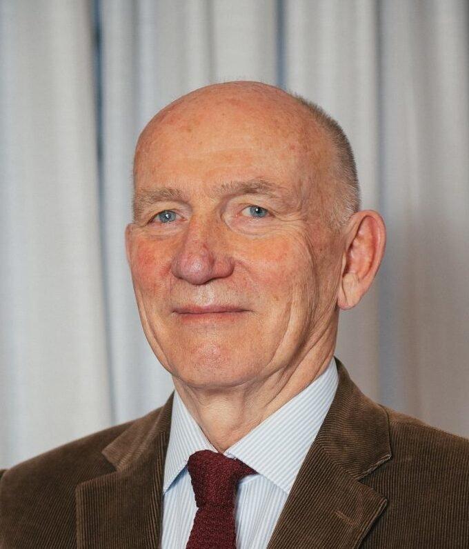 Dr Gedis Grudzinskas, MD FRCOG