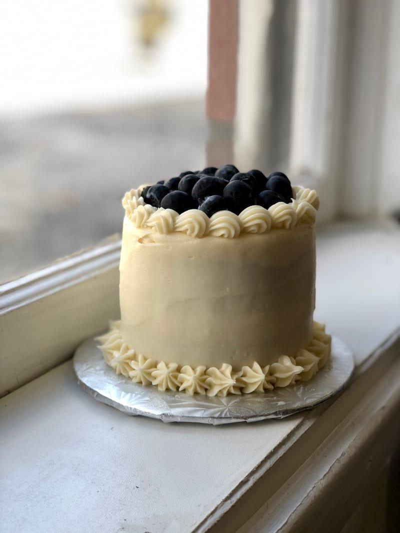 Berry Vanilla Smash Cake