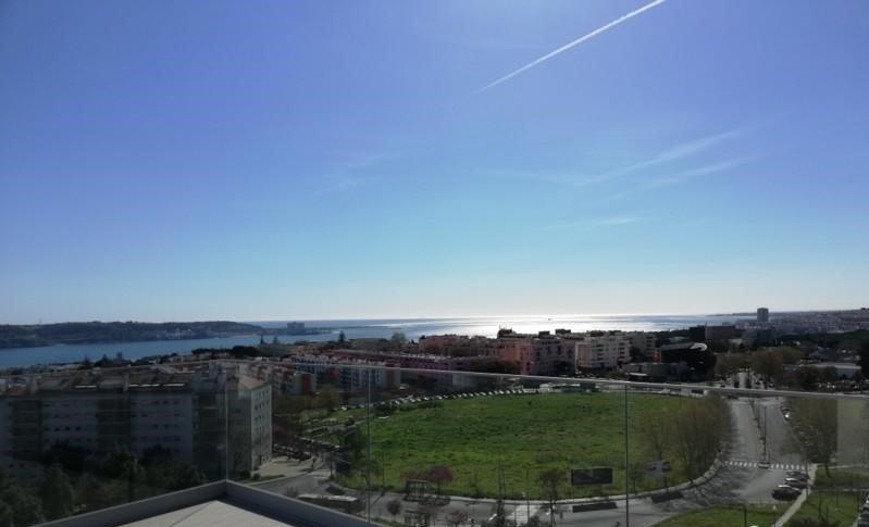 Lisbonne : quartier Restelo (Belém) - vue sur le Tage