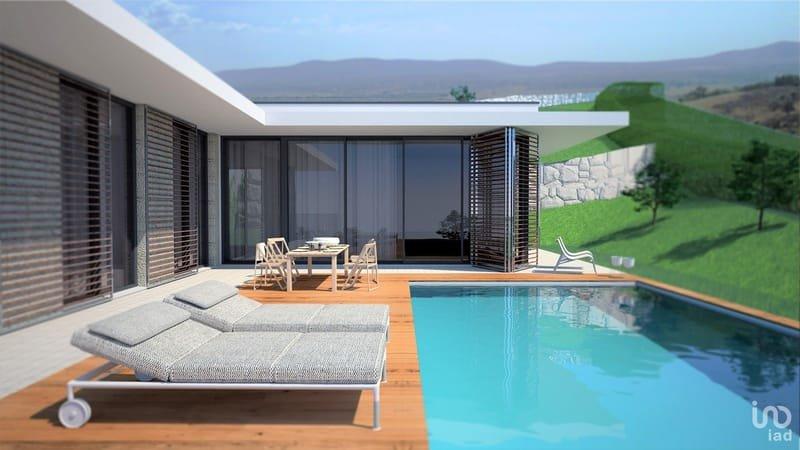 Villa située à 30 km de la plage de Nazaré : immobilier neuf