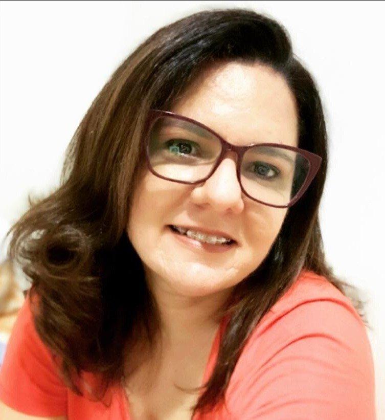 Sra. Maria Isabelle Costa Pereira