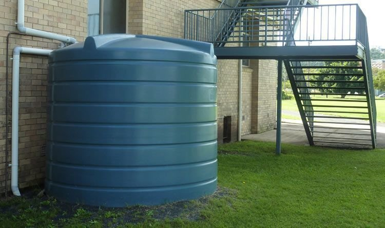 خدمة تنظيف خزانات المياه