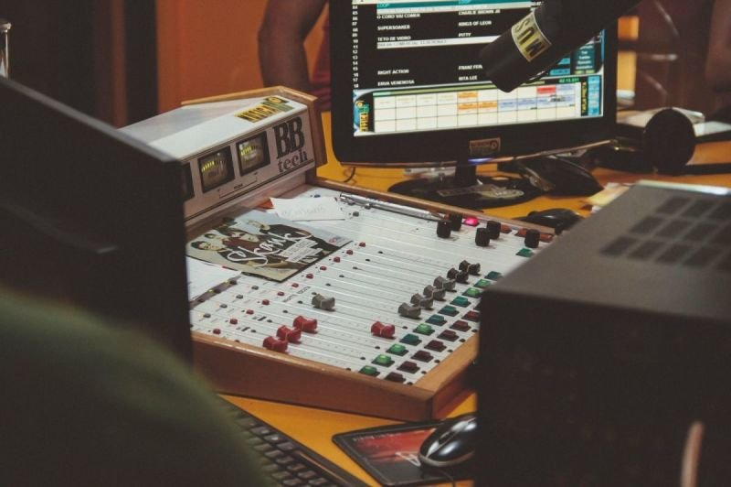 Radio Toranj | رادیو ترنج