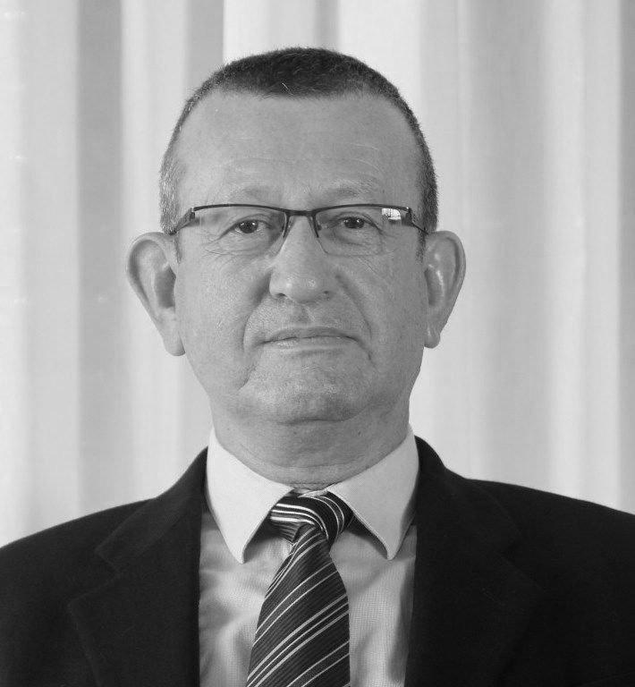 Dr Zeev Feldbrin