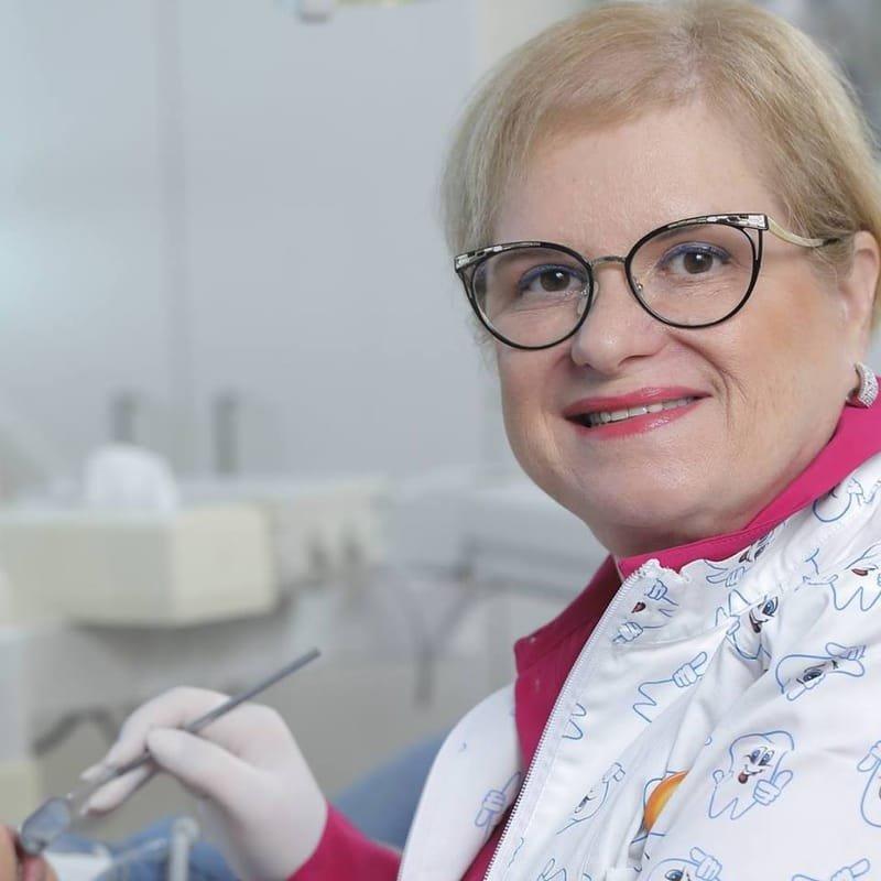 """מרפאת השיניים של ד""""ר שרי וחיים שטיימן"""
