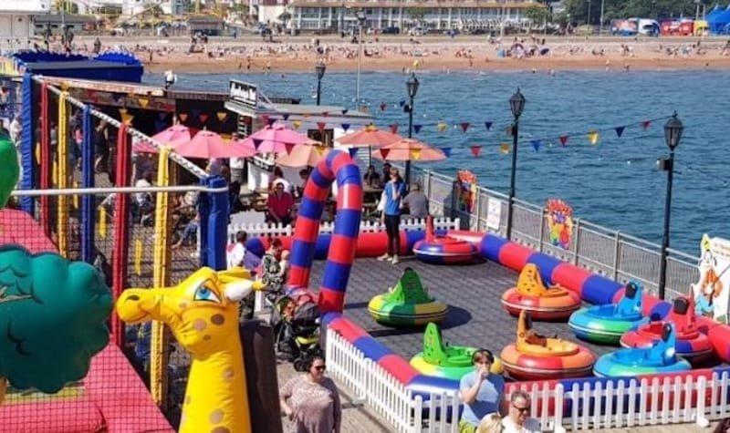 Pier - Entertainment
