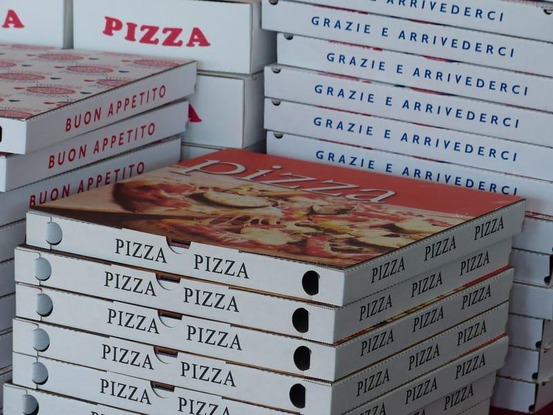 קרטוני פיצה