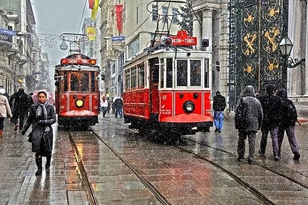تقسيم - شارع الاستقلال في اسطنبول
