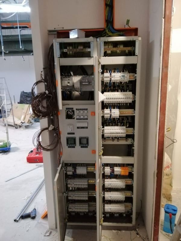 MAIN BOARD CONNECTION . 150A 3 PHASE