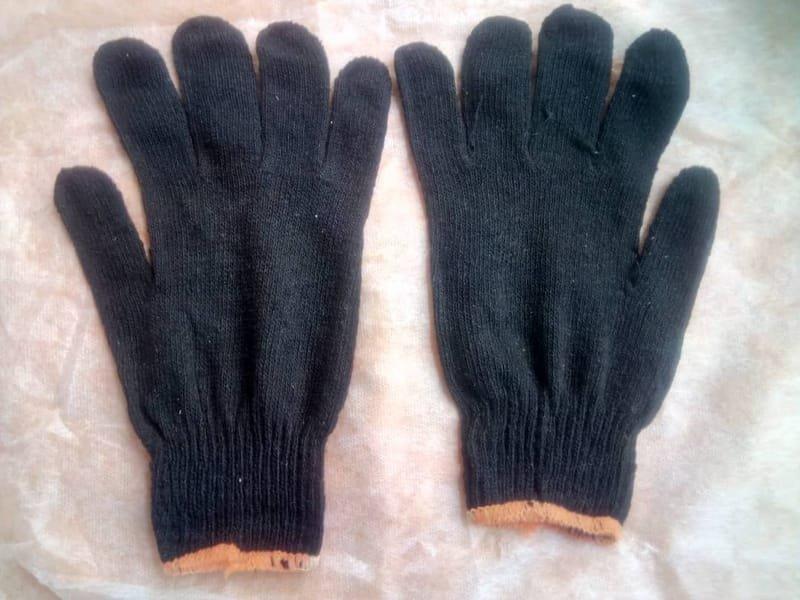 Cotton Safety Hand Gloves Black Color.