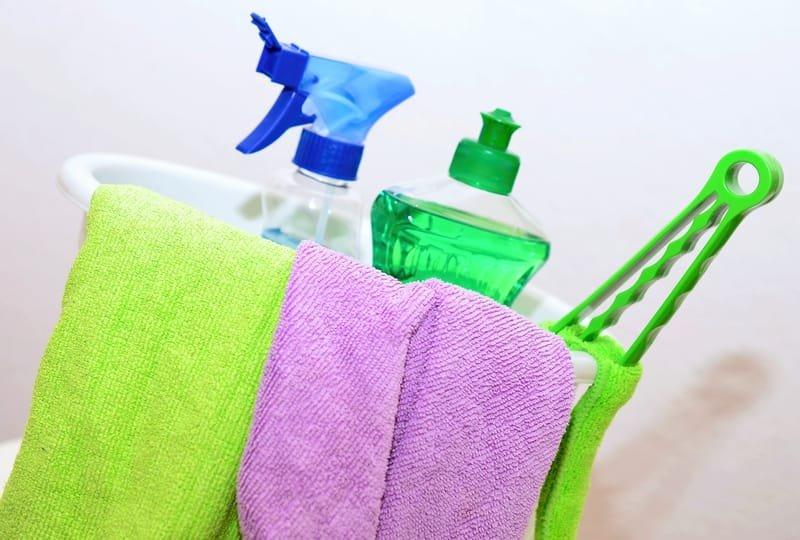 Reinigungsmittel, Maschinen & Zubehör