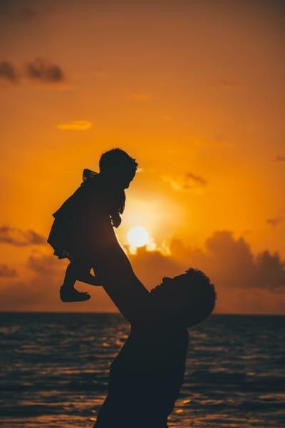 הדף השבועי: על אב ואהבה