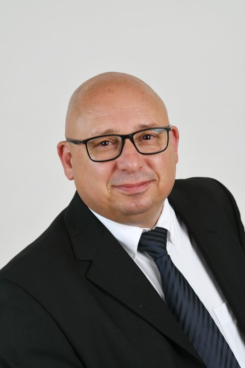 Laszlo Horog