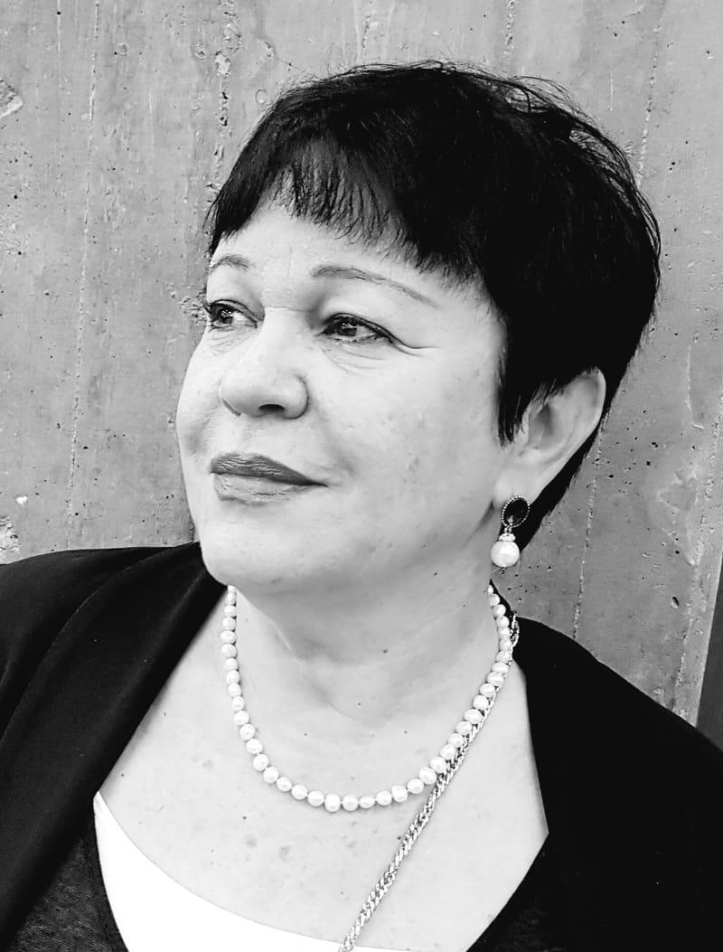 """עוה""""ד חיותה רובינשטיין סגנית היועץ המשפטי של עיריית תל אביב (בדימוס)"""
