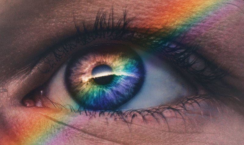 Sees the rainbow again