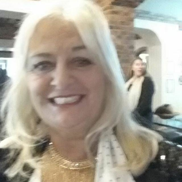 Lynda Renshaw
