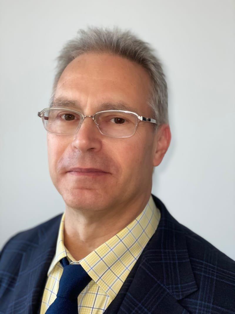 Dr. Benny J. Gutmark
