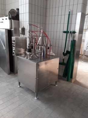 Halbautomatische Abfüllmaschine für Becher ø 95