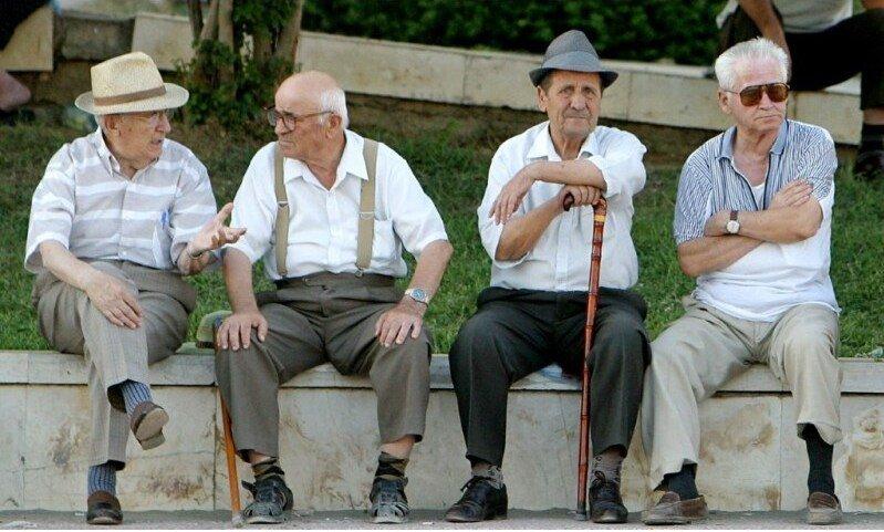 סיוע ועזרה לניצולי שואה וקשישים