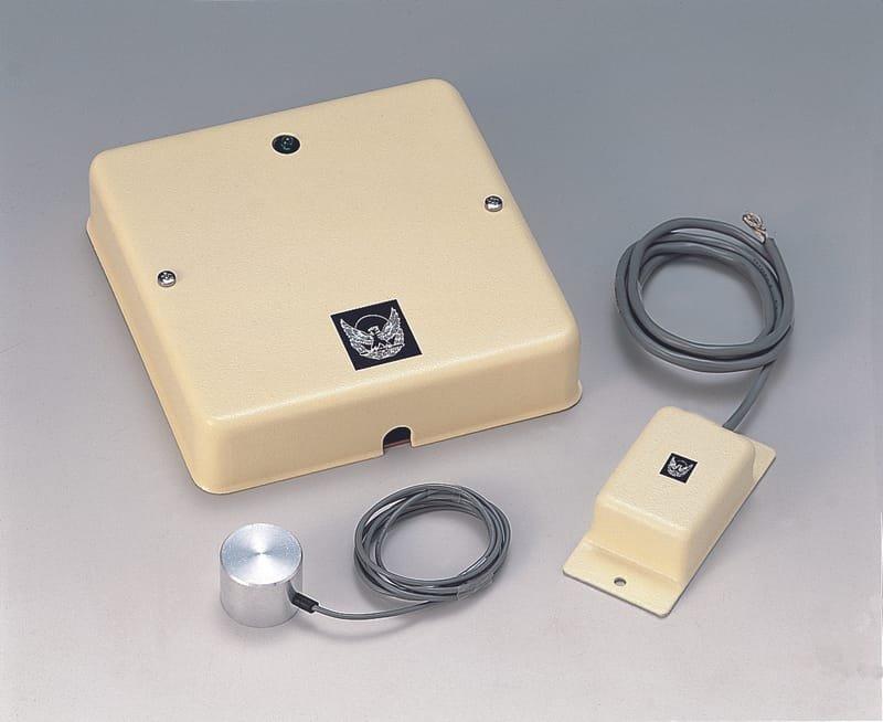 金庫壁面振動感知器