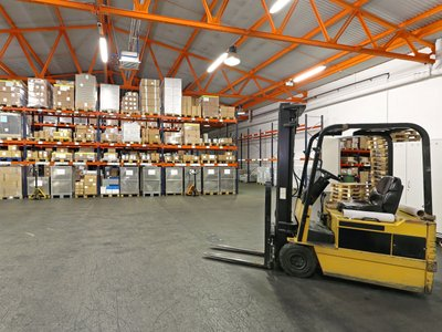 Advantages of Working with the Best Logistics Company in Toronto