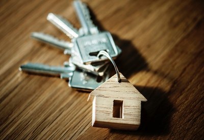 Home Customers Can Obtain Money for Houses Via Realty Deals