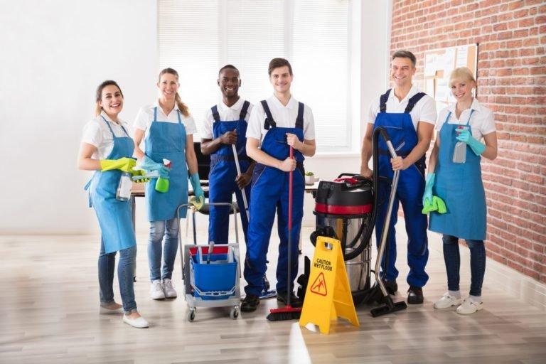 تنظيف الشركات
