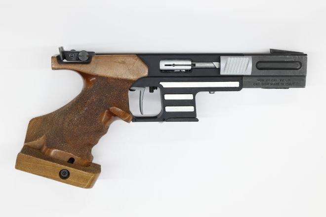 DSkyU kortdistance pistol