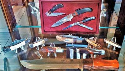 Featured Knife