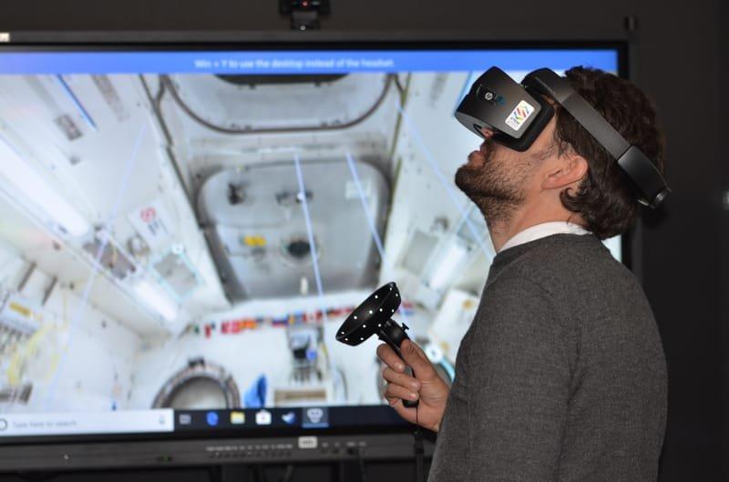 בניית סימולציות ופיתוח מערכי הדרכה במציאות מדומה (VR ו AR)